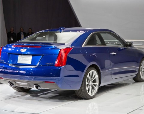 2015-Cadillac-ATS-rear-three-quarter-03